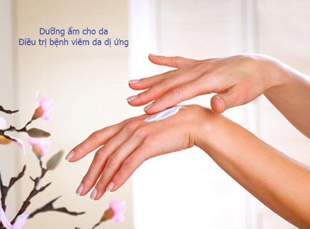Giữ ẩm cho da giúp điều trị bệnh viêm da dị ứng