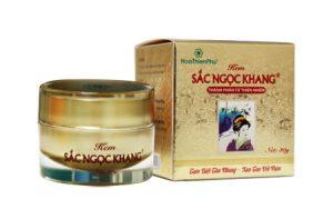 kem-sac-ngoc-khang-tri-nam-da-tan-nhang-co-tot-khong