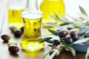 Công dụng của dầu oliu đối với làn da và mái tóc -1