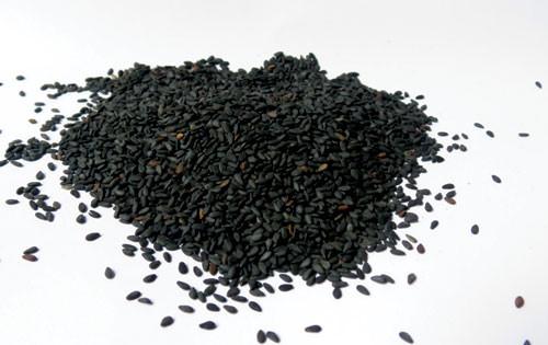 Một số tác dụng trị rụng tóc của mè đen bạn nên biết -3