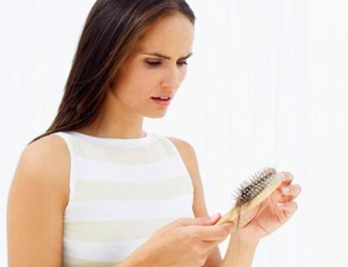 Rụng tóc khi mang thai và cách khắc phục an toàn -1