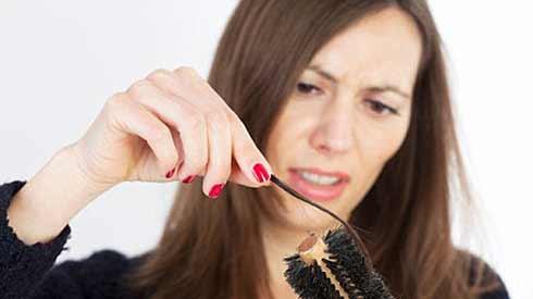 Cách phòng và điều trị rụng tóc ở phụ nữ tiền mãn kinh -1