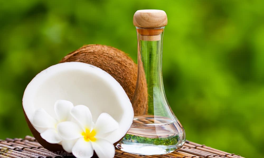 dầu dừa giữ ẩm cho người bị vẩy nến