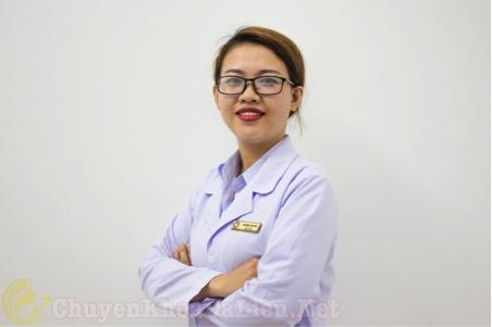 Dược sĩ mỹ trị mụn