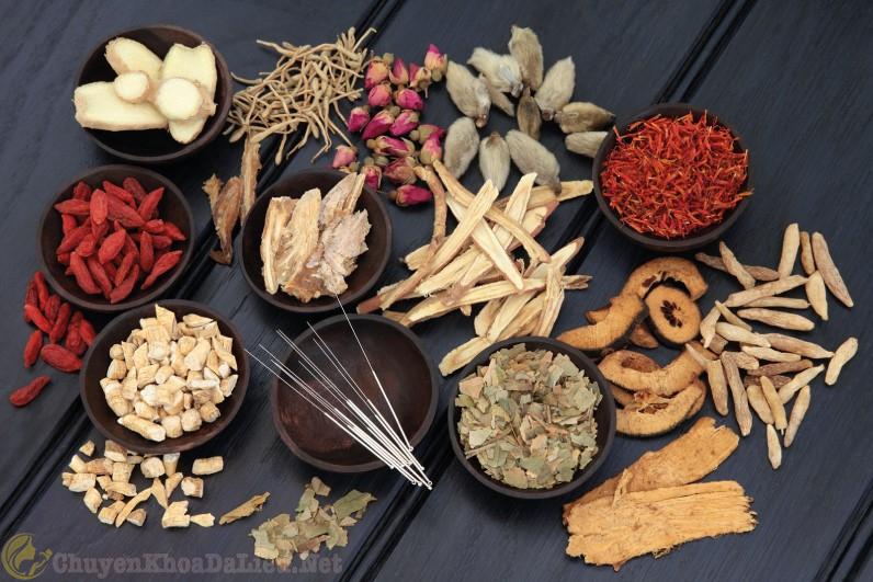 Áp dụng một số bài thuốc Đông Y chữa ngứa da toàn thân