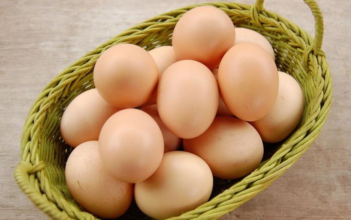 chữa phát ban trên da bằng trứng gà