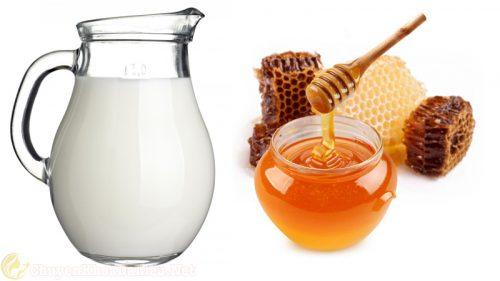 Chữa rạn da bằng sữa tươi kết hợp với mật ong