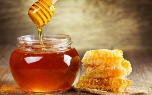 Điều trị bệnh á sừng ở trẻ em bằng mật ong
