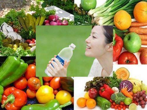 Chế độ ăn uống hợp lí giúp khỏi bệnh viêm da cơ địa ở mặt
