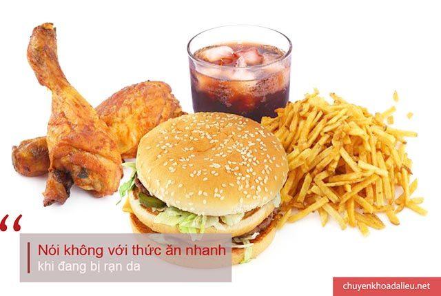 Chế độ ăn uống hỗ trợ điều trị rạn da hiệu quả