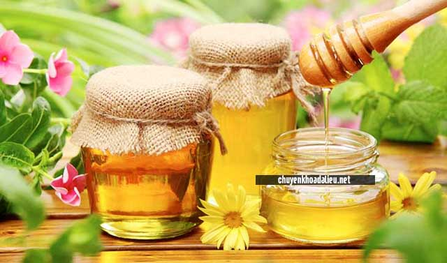 hỗ trợ điều trị viêm da cơ địa bằng mật ong
