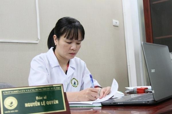 Bác sĩ Nguyễn Thị Lệ Quyên - Trưởng khoa da liễu Trung tâm Nghiên cứu và Ứng dụng TDT