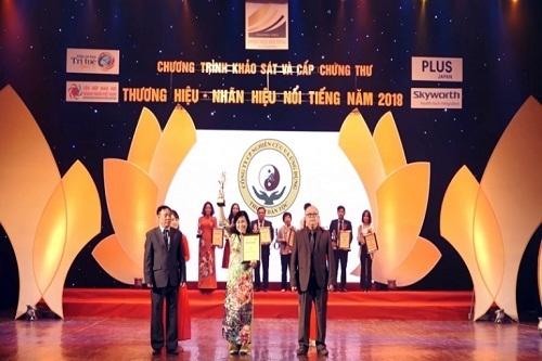 Trung tâm đạt giải thưởng Top 50 thương hiệu - nhãn hiệu nổi tiếng