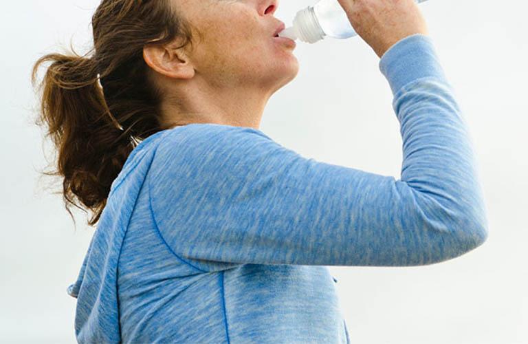 bổ sung đủ nước giúp cơ thể khỏe mạnh
