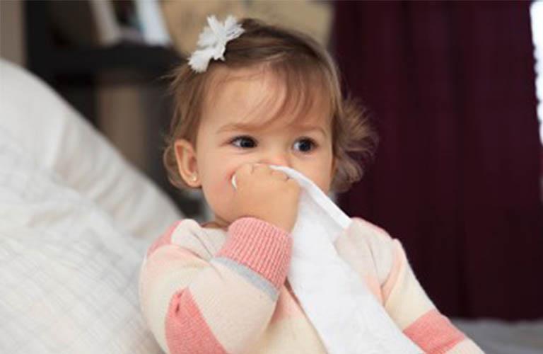 viêm da dị ứng thời tiết ở trẻ nhỏ