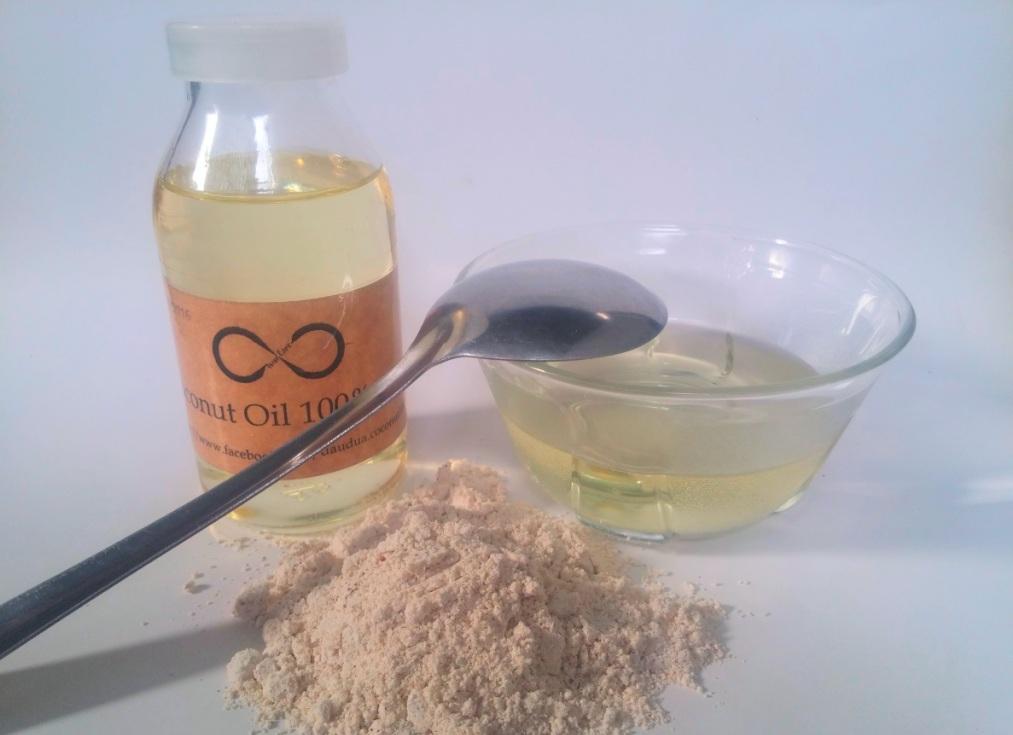 kết hợp dầu dừa với bột yến mạch