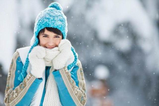 giữ ấm để giúp da không bị khô