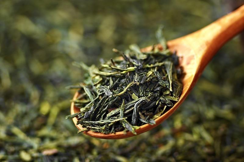 dùng lá trà xanh