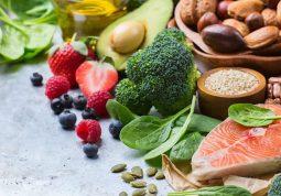 Những thực phẩm người bị chàm bội nhiễm nên ăn và nên kiêng
