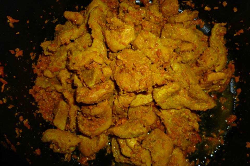 Món ăn từ nghệ chữa viêm da cơ địa