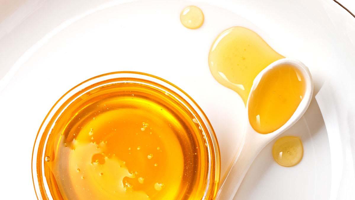 dùng mật ong trị viêm da tiết bã