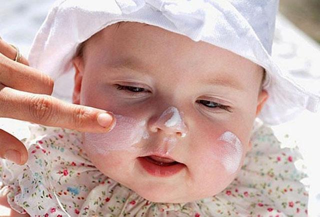 Điều trị chàm thể tạng ở trẻ sơ sinh và trẻ em